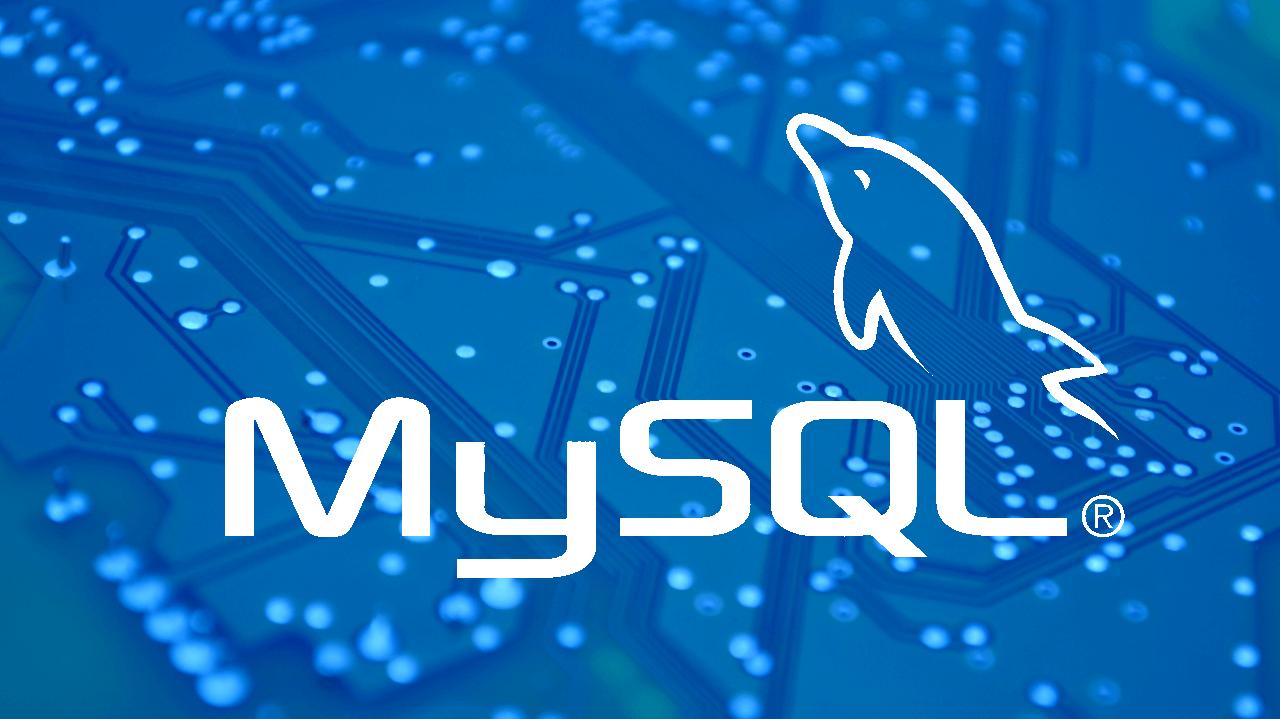 MySQL Logo vor einem Mainboard